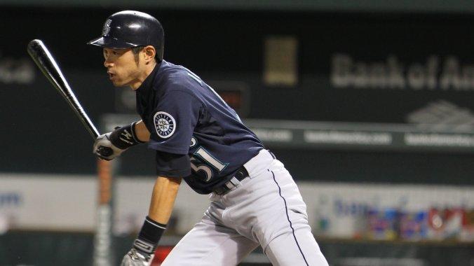Ichiro_Suzuki_on_May_10,_2011_(2)